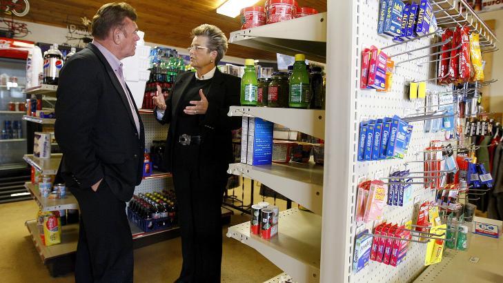 N�RBUTIKK: Don Sammons har drevet denne butikken, som i stor grad har basert seg p� forbipasserende langs motorveien. Foto: AP/Casper Star-Tribune, Dan Cepeda/NTB Scanpix