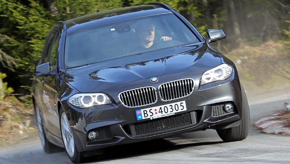 FORT NOK: Selv om nye BMW 525dAT xDrive mangler to sylindre og en liter sylindervolum, g�r det mer enn kjapt nok unna. FOTO: Terje Bj�rnsen