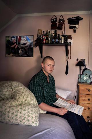 TOMROM: Roy Joachim sitter igjen alene p� rommet han og kj�resten delte.