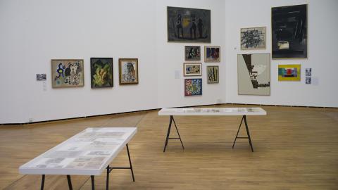 Gaper over mye: Utstillingen �Sonja Henie — Konstruksjonen av et bilde� er kuratert av Milena H�gsberg og kombinerer samtidskunst, modernistisk maleri og arkivmateriale. Foto: Tomm W. Christiansen