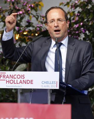 AVSL�RTE BL�FFEN: Sarkozys hovedmotstander i den franske presidentvalgkampen, sosialisten Francois Hollande, fant ut at bes�ket p� Fukushima aldri fant sted, og stilte presidenten til veggs. Foto: REUTERS / NTB SCANPIX