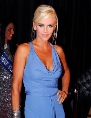 Jenny McCarthy tok med snnen (9) til Playboy Mansion