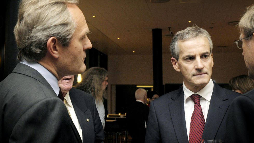 KRTISKE: Mange er kritiske etter avsl�ringer om pengebevilgninger. Her fra venstre: Felix Tschudi og Jonas Gahr St�re. Foto: Bente Bjercke