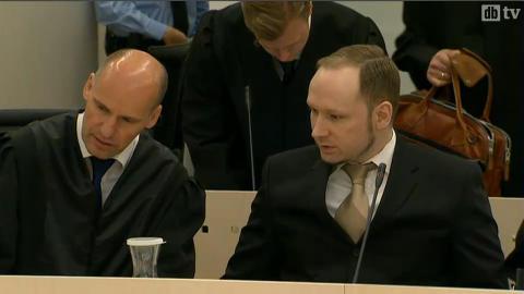Breivik i retten nå.