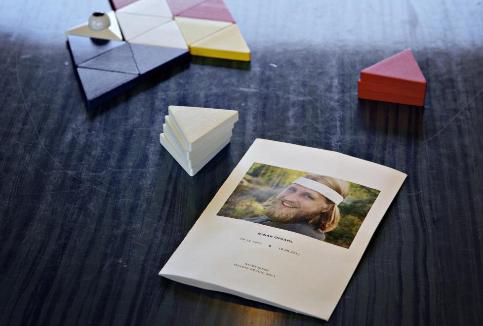 Nytt spill: Da Einar Opsahl ble drept på Bislett i fjor sommer, hadde han utviklet brettspillet «Macht». Nå har familie og venner sluttført prosjektet hans.