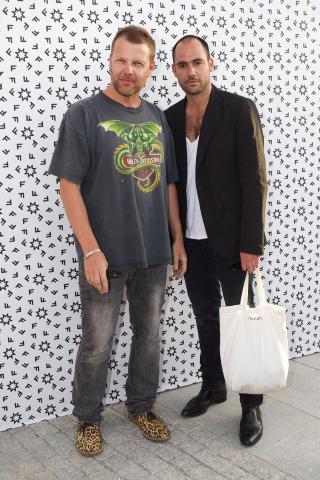 GRÜNDERNE: Svenske Johnny Johansson og Mikael Schiller nyter stor suksess med sitt motehus Acne om dagen. Foto: Stella Pictures