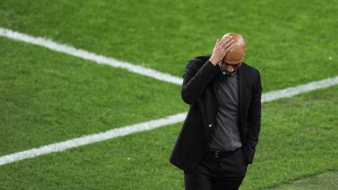 STRESS: Josep Guardiola er under stort press, og Kvalvik mener presset er grunnen til at han kan forlate Barca. Foto:    AFP PHOTO / PIERRE-PHILIPPE MARCOU