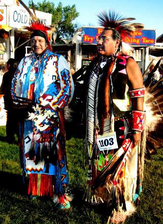 INDIANERE: L�r om indianernes kultur og historie.