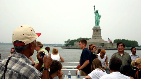 NEW YORK: Se byen fra sjøsiden i sommer.
