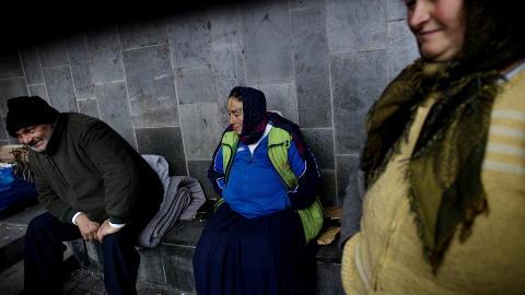 - GUDS LAND:  - Norge er et velsignet land, mener Cantaragiu (40). Derfor trodde han man ble bedre mottatt og fikk et sted � sove i Oslo. Foto: Tomm W. Christiansen / Dagbladet