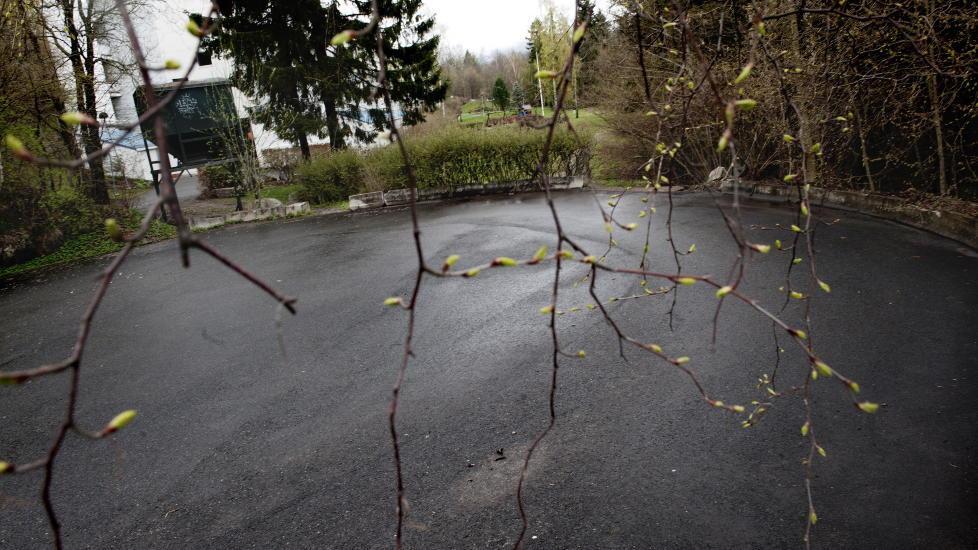 POLSK STATSBORGER: P� denne snuplassen i Sondrevegen p� Montebellom ble en mann funnet drept i en bil. Foto: Thomas Haugersveen / Dagbladet
