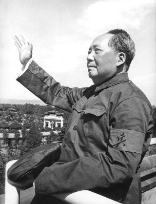 MAO ZEDONG:  Innf�rte Kultur-revolusjonen, en serie politiske kampanjer i kommunist-Kina, som skulle forandre samfunnet fra bunnen av. Revolusjonen f�rte til store utrenskinger og �deleggelser, og minst 40 millioner ble drept. Foto: AFP Photo