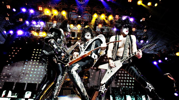BREDBEINT: Slik man kjenner Kiss. Foto: Nina Hansen / Dagbladet
