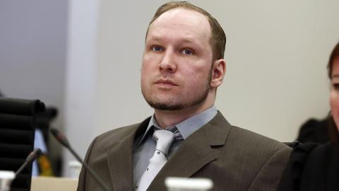 BAK SINNETS MUR: Anders Behring Breivik. Foto: Lise �serud / NTB scanpix