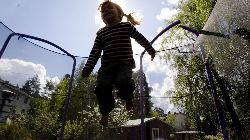 M� BESKYTTES: Foreldre b�r ikke kunne ta private gentester p� barna sine, mener Bioteknologinemda. Illustrasjonsfoto: Cornelius Poppe / SCANPIX