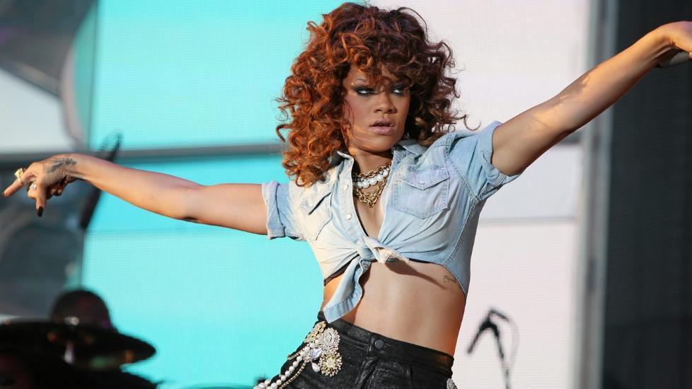 STJERNEKROPP: Trener du hardt, kan ogs� du f� en skikkelig stjernekropp slik som Rihanna.  Foto: Scanpix