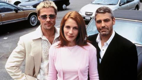 GJENNOMBRUDD PÅ LERRETET: George Clooney i «Ocean's Eleven» sammen med Brad Pitt og Julia Roberts i 2001. Foto: Stella Pictures