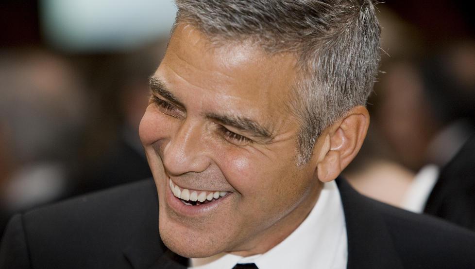 BURSDAGSBARN: Selv om han n� har blitt 51 �r, regnes George Clooney fortsatt som en av klodens kjekkeste menn. Foto: Stella Pictures