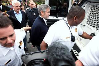 I ARRESTEN: George Clooney ble arrestert i Washington i mars. Foto: Alex Wong / Getty Images / AFP Photo / NTB Scanpix