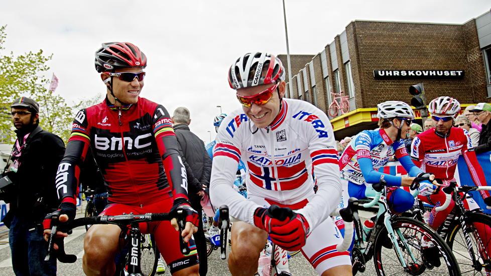 ENDTE DRAMATISK: Thor Hushovd sammen med Alexander Kristoff f�r andre etappe av Giro d'Italia i Herning i Danmark i dag. I massespurten gikk Kristoff i bakken. Foto: Stian Lysberg Solum / NTB scanpix