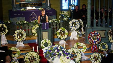 I KIRKEN: Minneord ved kj�resten til Alexander Dale Oen, Anja Johansen under begravelsen. Foto: Kyrre Lien / NTB scanpix POOL