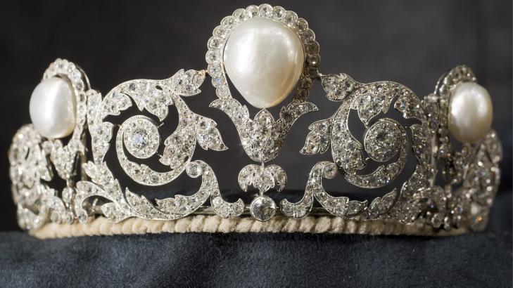 EKSKLUSIV: Den kjente �Murat�-tiaraen ble solgt for rundt 23 millioner kroner. Foto: AP Photo/Keystone, Alessandro Della Bella/SCANPIX