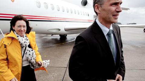 CHICAGO NESTE:  Statsministerparet har tilbrakt de siste dagene p� Shetland og F�r�yene. Jens Stoltenberg er n� p� vei til NATO-toppm�te i Chicago.
