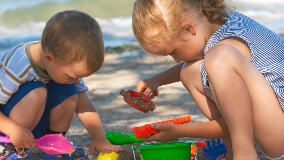 HEN: Flere barn i Sverige blir ikke lenger omtalt som han og henne, men som det kj�nnsn�ytrale pronomenet hen Foto: Colourbox