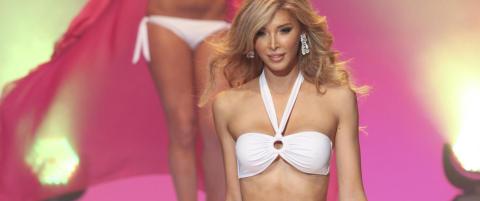 Kj�nnsopererte Jenna str�lte i bikini og kveldskjole