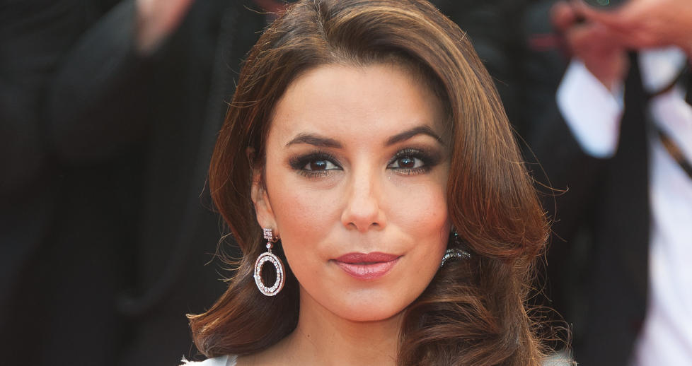 TVIL: Eva Longoria begynte  tvile p seg selv etter mannens utroskap. Foto: Stella pictures