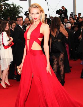 Russiske Natasha (26) stjal showet i dristig kjole