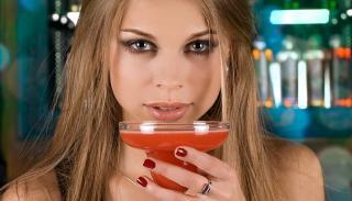 FYLLEANGST: N�r alkoholen g�r ut av kroppen, �ker aktiviteten i amygdala - noe som trigger angsten og gj�r den verre. Illustrasjonsfoto: Colourbox.com
