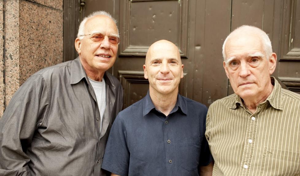 VETERANER:  Steve Kuhn (tv), Joey Baron og Steve Swallow har lang fartstid sammen, men �Wisteria� er deres f�rste trioinnspilling. FOTO: JOHN ROGERS/ECM