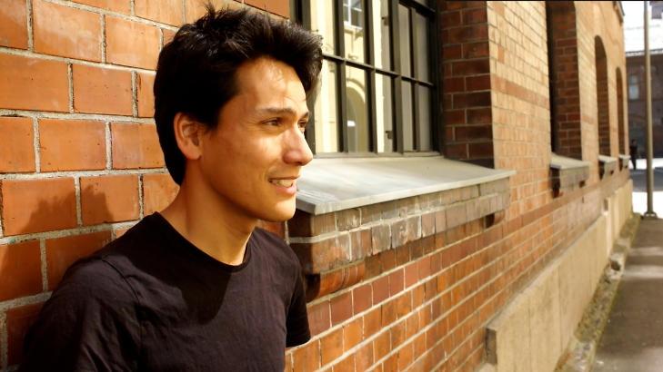 ST�R BAK: Jean-Baptiste Huynh, mattel�rer ved Elvebakken skole, er en av de ansvarlige bak DragonBox. Foto: Maria Wyller