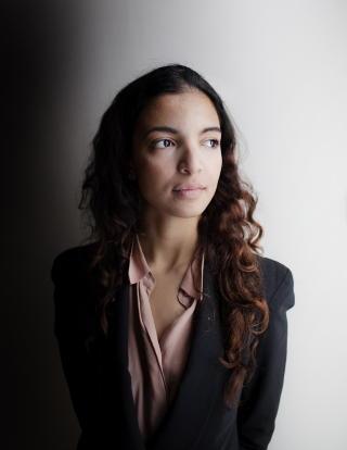 MENER SEG DISKRIMINERT: Louiza Louhibi (21). Foto: Agnete Brun / Dagbladet