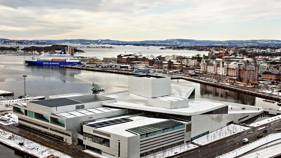 KLAR FOR SOMMEREN:  Meklingen for Musikernes Fellesorganisasjon kom i havn fredag kveld, og dermed g�r sommerprogrammet som oppsatt p� Den Nroske Opera i Bj�rvika i Oslo. FOTO: NINA HANSEN/DAGBLADET.