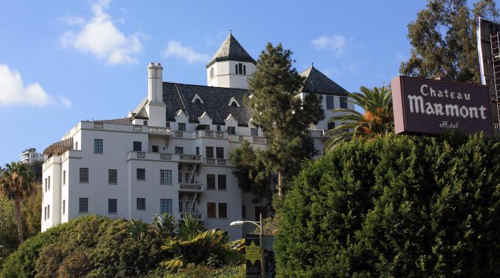 LEGENDARISK: P� Chateau Marmont i Los Angeles har det skjedd litt av hvert bak hotellets fasade gjennom �rene. Foto: STELLA PICTURES