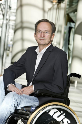 REAGERER: Generalsekret�r i Norges Handikapforbund, Lars �deg�rd. Foto: Norsk Handikapforbund