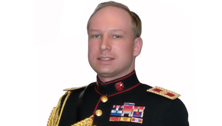 SVAKHET:  - Anders Behring Breiviks svakhet er hans narsissisme og uniformsfetisj, sier politiprofessor Leif GW Persson.
