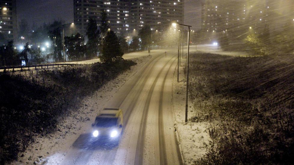M� LA BILEN ST�: Dersom du eier en bil som g�r p� diesiel blir du n�dt til � la den st� p� visse dager i Oslo. Foto H�kon Mosvold Larsen /NTB SCANPIX