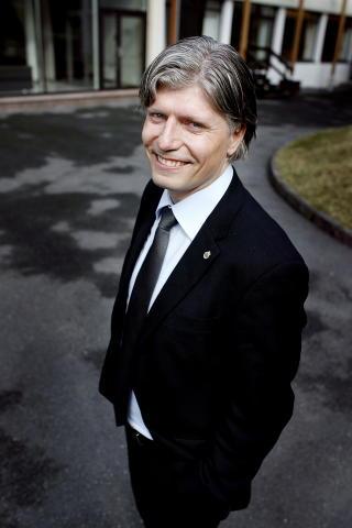FORN�YD: Milj�- og samferdselsbyr�d Ola Elvestuen (V).  FOTO: HENNING LILLEG�RD / DAGBLADET.
