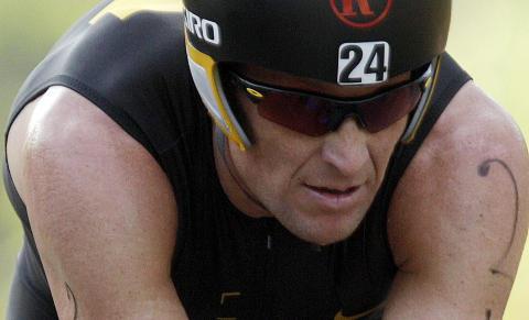RASENDE:  Lance Armstrong er forbanna etter anklagene. Foto: AP Photo/Arnulfo Franco