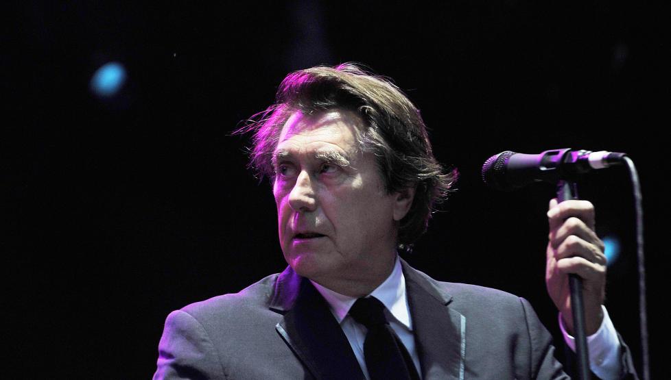 MUSIKALSK DELIKATESSE: Bryan Ferry ga en sterk konsert p� �pningsdagen av Norwegian Wood-festivalen i Oslo. Den godt voksne artisten har fremdeles stil og stemme. Foto: Hans Arne Vedlog