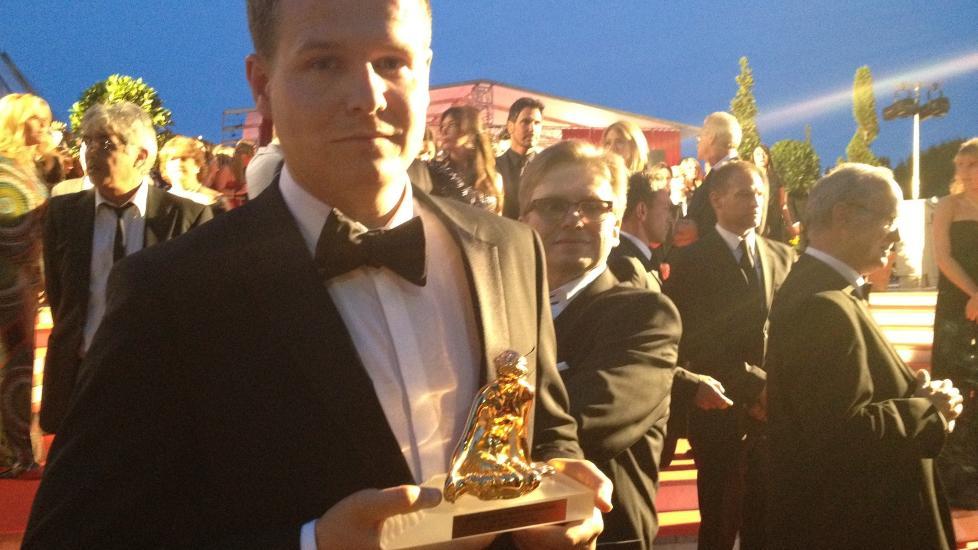 GULLGUTT: Tommy Gulliksen vant tidligere i �r Gullruten for Ut�ya-dokumentaren �En liten �y i verden�. I g�r vant han den den prestisjetunge prisen Gullnymfen for samme dokumentar i Monte Carlo. Foto: Privat