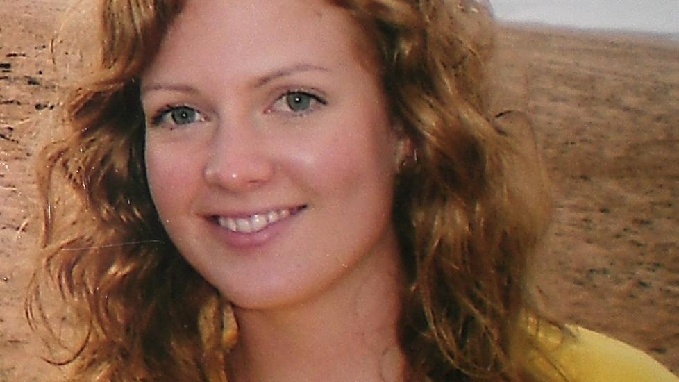 MYSTISK DØD: Den norske studenten Julie Michelle Bergheim (22) døde på hotellrommet på Phi Phi-øyene i Thailand i 2009. Dødsfallet er aldri blitt oppklart. Mamma Ina Thoresen er overbevist om at datteren ble forgiftet enten av en slags gass eller insektsmiddel. Foto: privat
