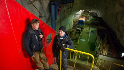 PLASS TIL FLERE: Driftsleder for Gaustabanen Vidar Zcimarzceck og banemedarbeider Thor-Erik Sk�rdal, �nsker flere velkommen inn i fjellet. Foto: ROGER BRENDHAGEN