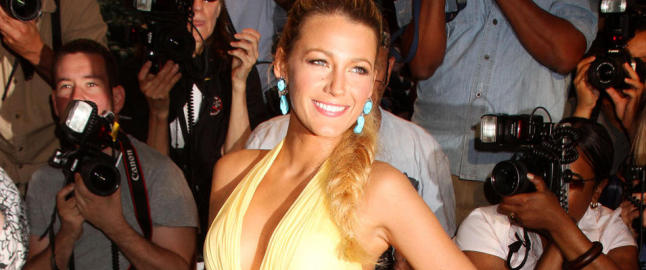 Blake Lively pstr at hun ikke lfter en finger for superkroppen