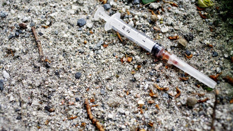 DÅRLIG MÅL: Det er vanskelig å forstå hvorfor en undersøkelse om antallet som har prøvd illegale rusmidler alene skal indikere at norsk narkotikapolitikk er vellykket, mener Arild Knutsen. Illustrasjonsfoto: Sara Johannessen / NTB scanpix