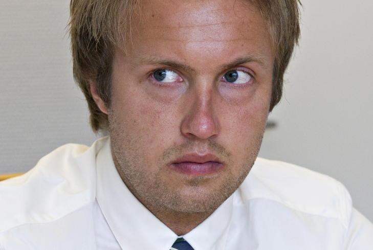 TAR DET TUNGT: Advokatfullmektig Andreas Ihleb�k bes�kte 48-�ringen i fengsel i kveld, etter at dommen var opplest. - Jeg snakket mye med ham da. Det er naturlig at man tar en slik slutning tungt. Men han ser fram til en ny behandling av saken i lagmannsretten, sier han til Dagbladet. FOTO: TORBJ�RN BERG/DAGBLADET