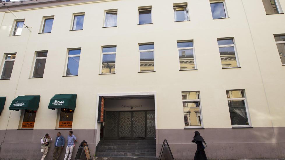 POPUL�R: Forstander Basim Ghozlan bekrefter at den norske konvertitten bes�kte Rabita-moskeen i Calmeyers gate i Oslo sentrum. Moskeen er en av Norges mest popul�re. Foto: Sondre Steen Holvik / Dagbladet